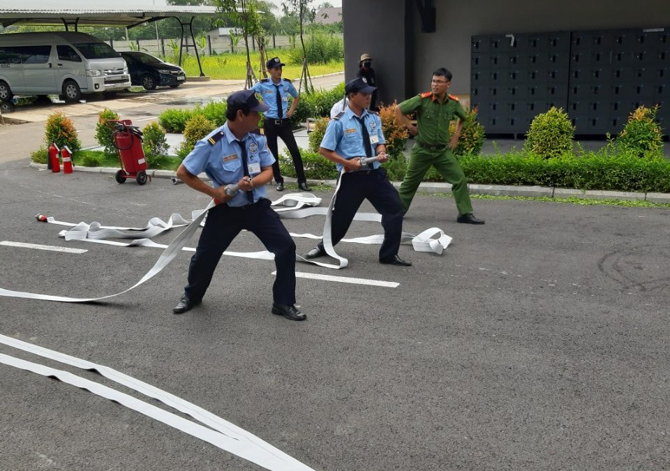 Huan luyen nghiep vu PCCC cho bao ve 247