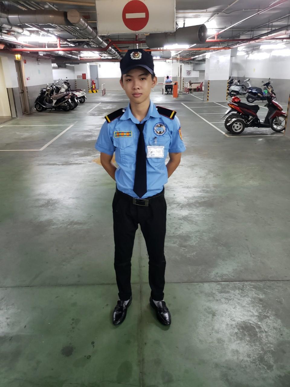 Bảo vệ giữ xe bệnh viện Phạm Ngọc Thạch