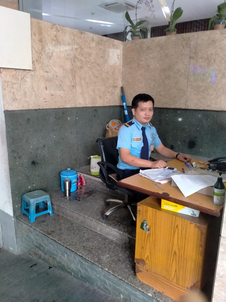 Bảo vệ giữ xe bệnh viện Bình Dân