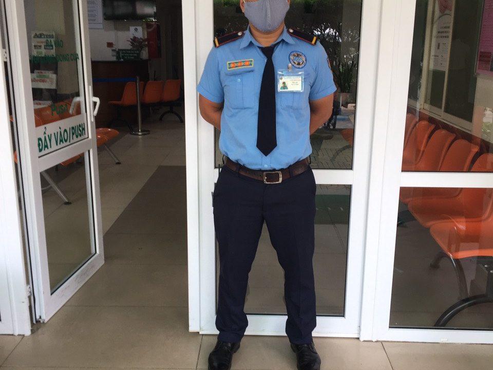 Bảo vệ giữ xe bệnh viện Nguyễn Trãi