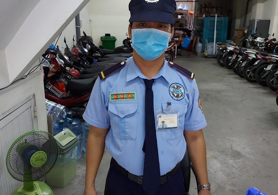 Bảo vệ giữ xe bệnh viện mắt Sài Gòn - Việt Hàn