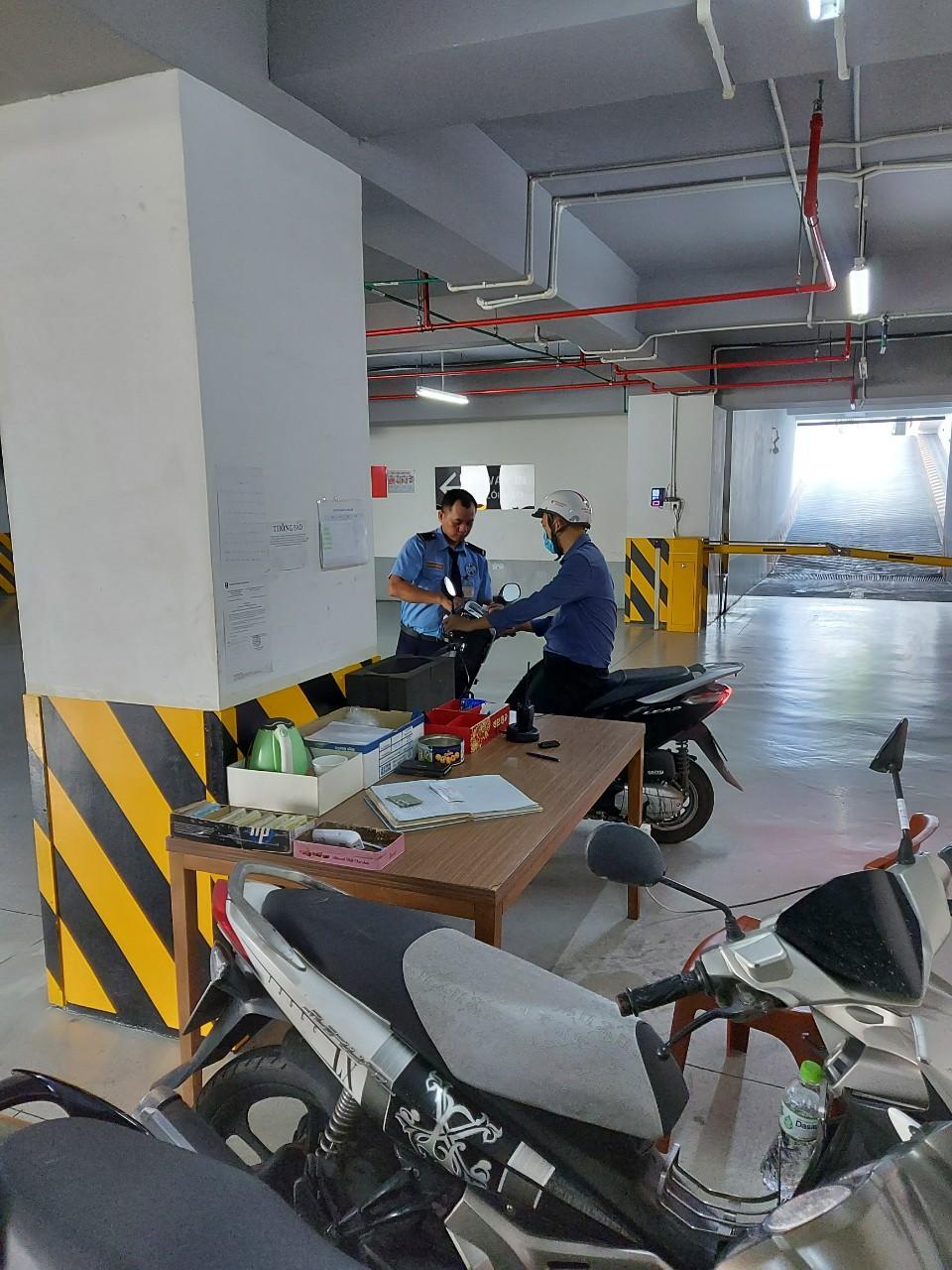 Bảo vệ giữ xe bệnh viện Chấn Thương Chỉnh Hình TPHCM