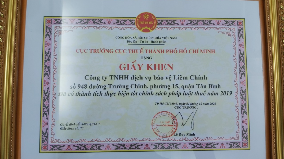 Công ty bảo vệ Liêm Chính nhận giấy khen từ cục thuế TPHCM